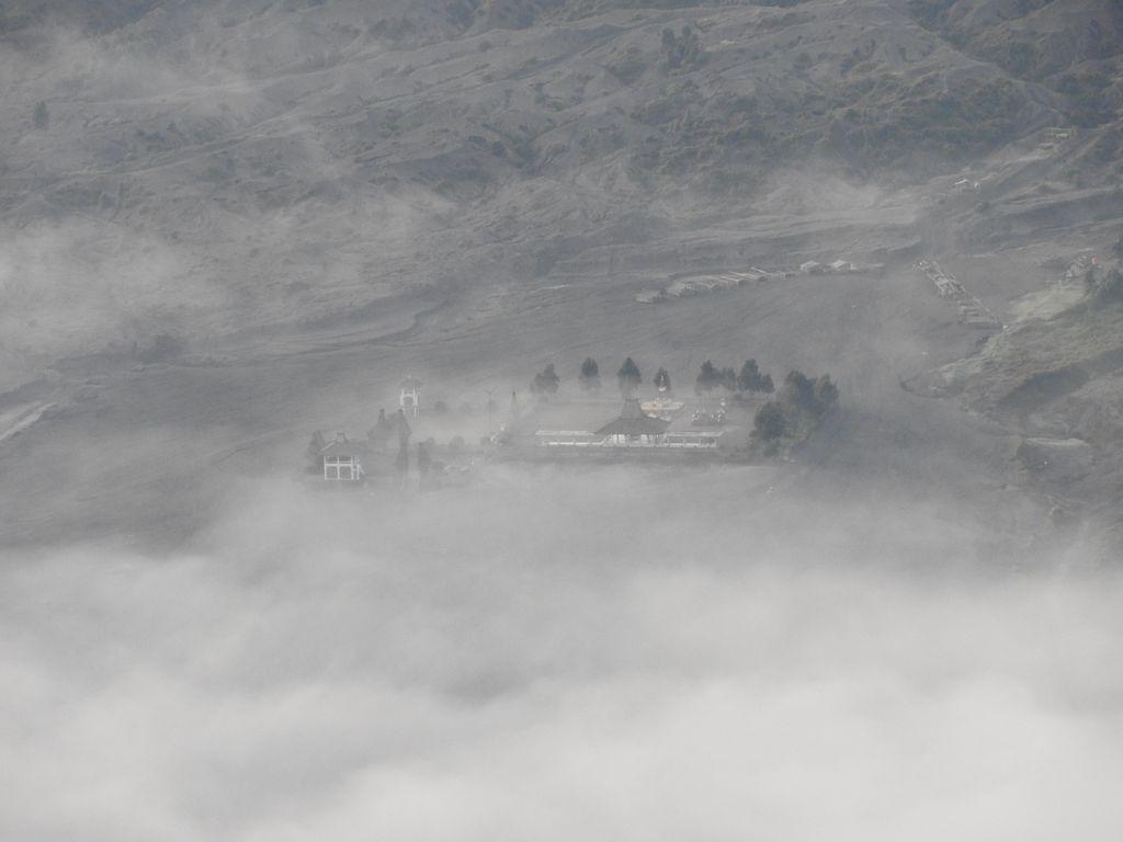 Le monastère se découvre