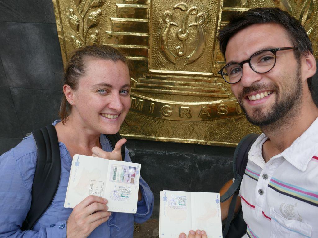 Photo de nous avec nos passeports