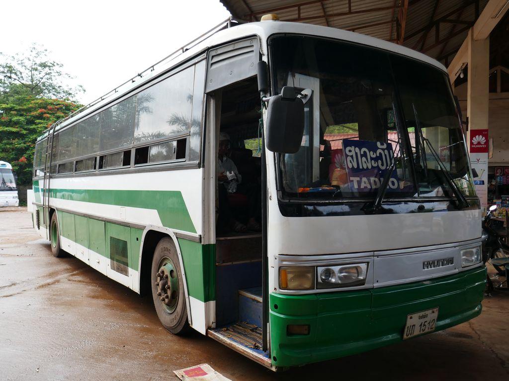 Bus Paksé - Tad Lo