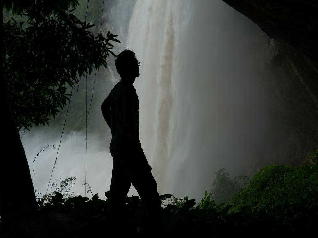 Cascade Tad Soung depuis la falaise